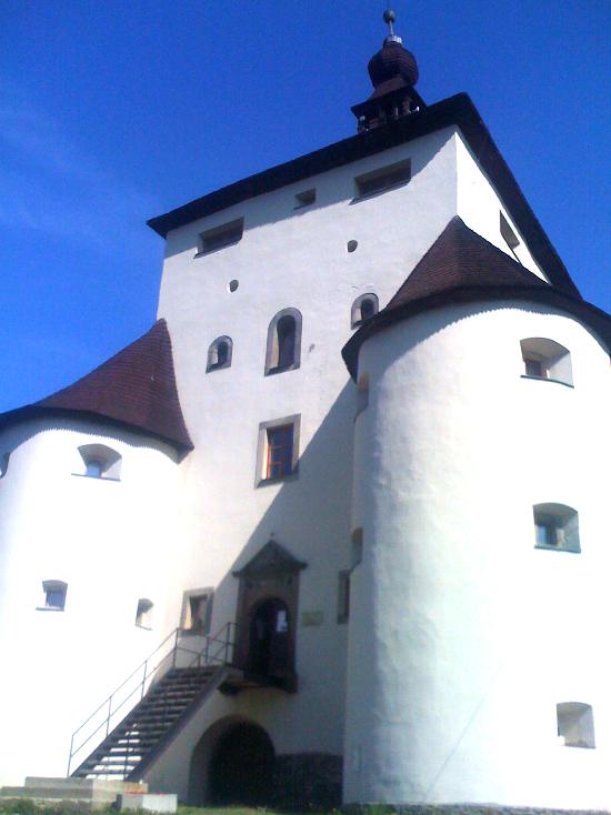 stavnice-novy-zamek.jpg