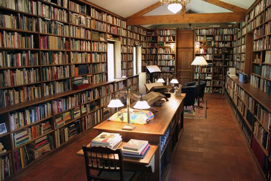 knihovna-alberto-manguel